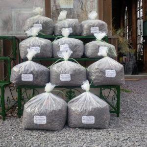 Alpaca beans for your garden, manure